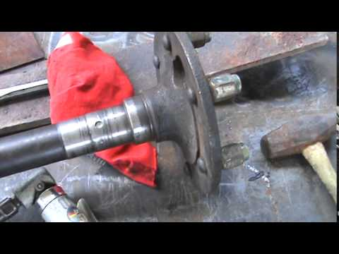 Cleaning the axle shaft on the Dana 44 Part 2        7-10-14