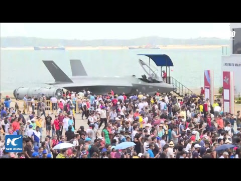 LIVE: Singapore airshow: breathtaking aerobatic flying display