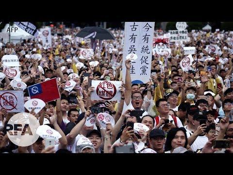 Hàng chục ngàn người Đàn Loan tẩy chay truyền thông thân Trung Quốc