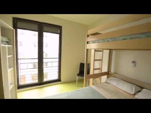 Werft mit uns einen Blick in das Adveniat Hostel Paris. Jetzt direkt die nächste Klassenfahrt nach Paris buchen: https://www.herole.de/klassenfahrten-paris  _______________________________________________________________________________________  Ihr findet uns auch auf  ► unserer Website:  https://www.herole.de ► unserem Blog:  https://www.herole.de/blog/ ► Facebook:  https://www.facebook.com/HeroleReisen ► Instagram:  https://www.instagram.com/herolereisen ► Google+: https://plus.google.com/+HeroleDe/ ► Twitter: https://twitter.com/herole_reisen  _______________________________________________________________________________________  ► Wir sind ein Reiseveranstalter für Klassenfahrten, Abifahrten und Studienreisen. Unser Team besteht aus jungen und sehr engagierten Mitarbeitern der Tourismusbranche  ► Unser Anliegen ist es, Ihnen einfach schöne Klassenfahrten zu einem erschwinglichen Preis anzubieten. Wir wissen, wie wichtig Klassenfahrten für den Klassenzusammenhalt sowie für die Förderung des Allgemeinwissens sind. Wir sind daher bestrebt, Ihnen Reisen mit spezifischen Zusatzprogrammen anzubieten, die auf Ihren persönlichen pädagogischen Anspruch zugeschnitten sind.  Impressum:  https://www.herole.de/impressum