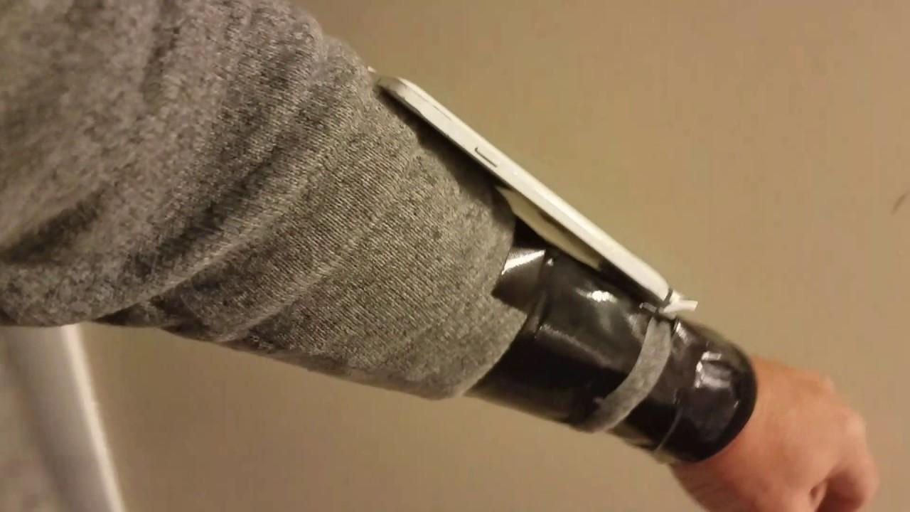 first rate b8e71 6e900 Detachable Wrist mounted Cell Phone