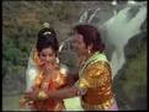 Main Nadiya Ki Dhara - Naag Panchami (1972)