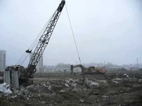Old soviet cable excavator E-10011 wit crush hammer