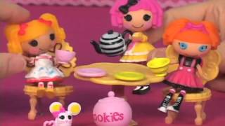 Amazoncom Mini Lalaloopsy Crumbs Tea Party Crumbs Sugar Cookie Playset Toys  Games