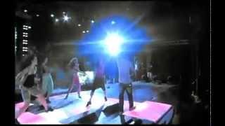 Mohamed Hamaki - Fe Hodn 3enek Live / محمد حماقى - فى حضن عينيك mp3