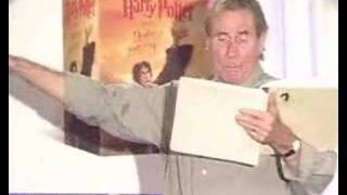 Jim Dale reads Harry Potter in B&N party [Part 4 of 6]
