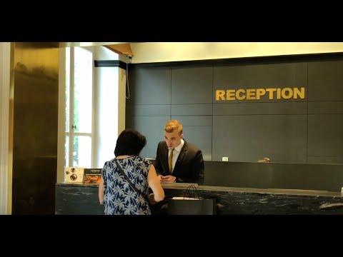 Immersion à La Réception Au Grand Hôtel La Cloche