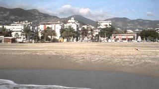 22 января 2015 года Алания пляж Клеопатра. Купаемся в море.