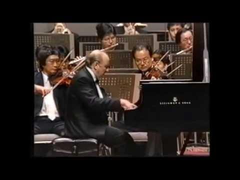 Vladimir Krainev plays Tchaikovsky Concerto No.1