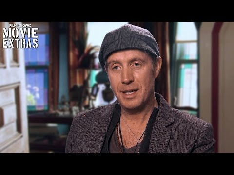 Alice Through the Looking Glass   On-set with Rhys Ifans 'Zanik Hightopp' [Interview]