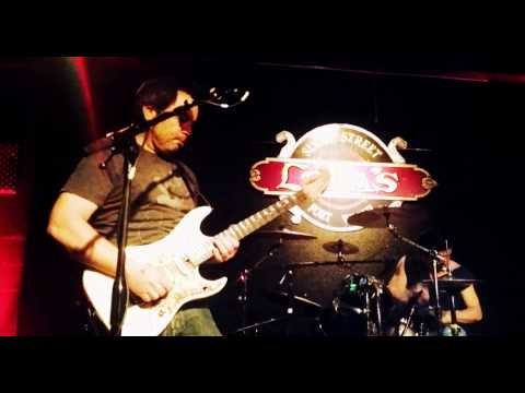 Fuzz King Radio @ Lola's in Fort Worth, Michael Keeton guitar solo