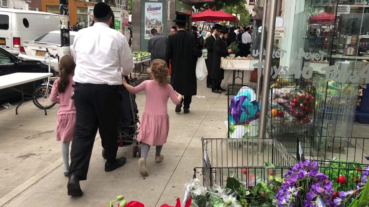 erev-sukkot-2018-on-13th-avenue-in-borough-park