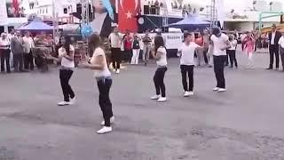رقص على مهرجان شعبى