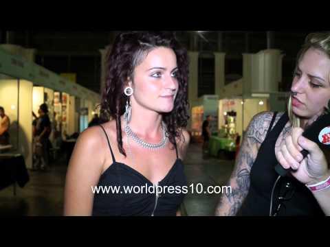Stands y público en el Barcelona Tattoo Expo 2014