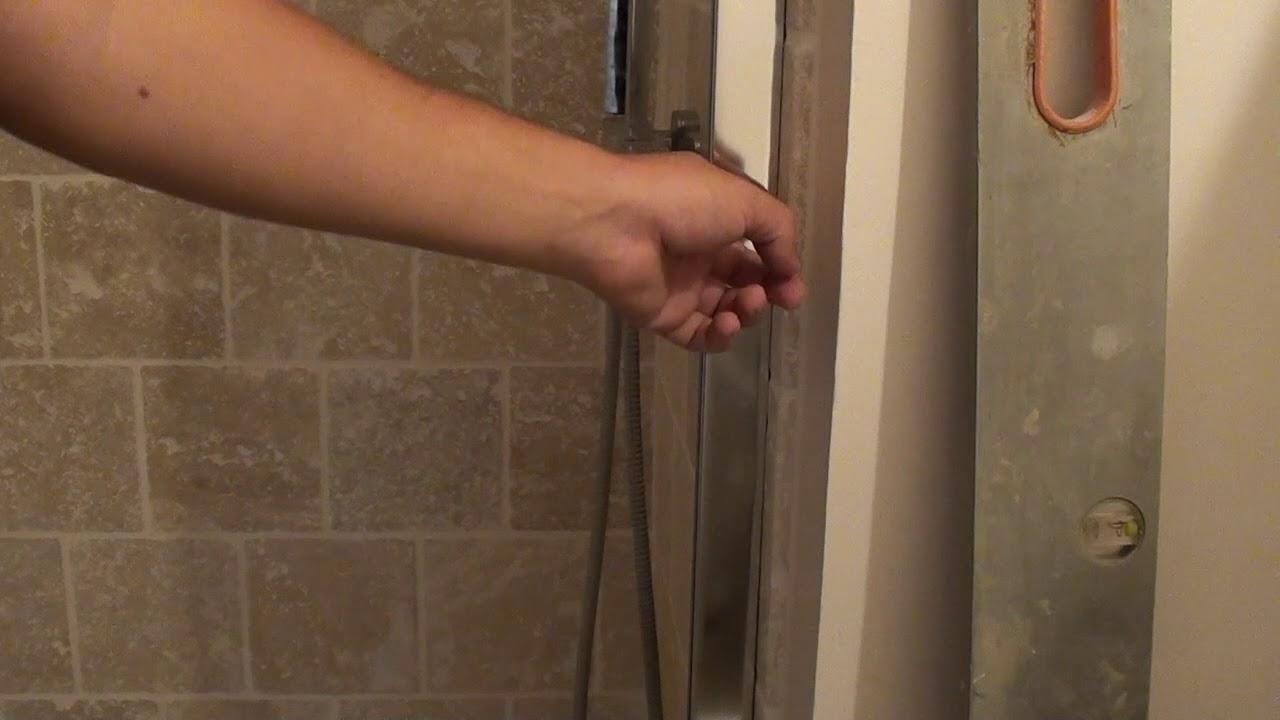 pose d une parois de douche coulissante