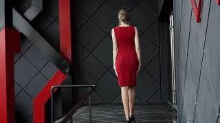 P 2032 Платье коктейльное с вышитой стразами горловиной video