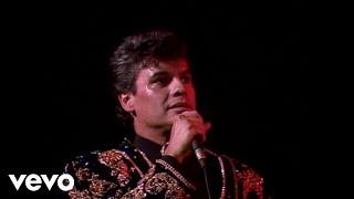 Juan Gabriel - Popurri: Que Te Falta Mujer/Caray/No Le Vaya A Suceder/Caray