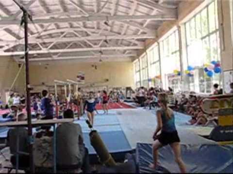 видео: Акробатическая дорожка (Разминка Харьков)24.05.2014.