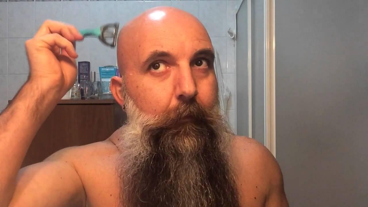 Taglio capelli a zero con barba