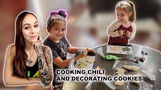 FAMILY VLOG   MAKING CHILI   DECORATING HALLOWEEN COOKIES