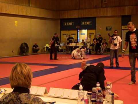 BJJ British Open 2011 Braulio Estima vs Victor Estima (super fight)