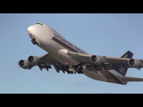 Plane spotting at Auckland International Airport (compilation) ✈