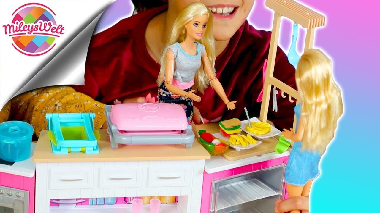 MILEY als MEISTERKÖCHIN in ihrer neuen Barbie Deluxe Küche | Mileys Welt