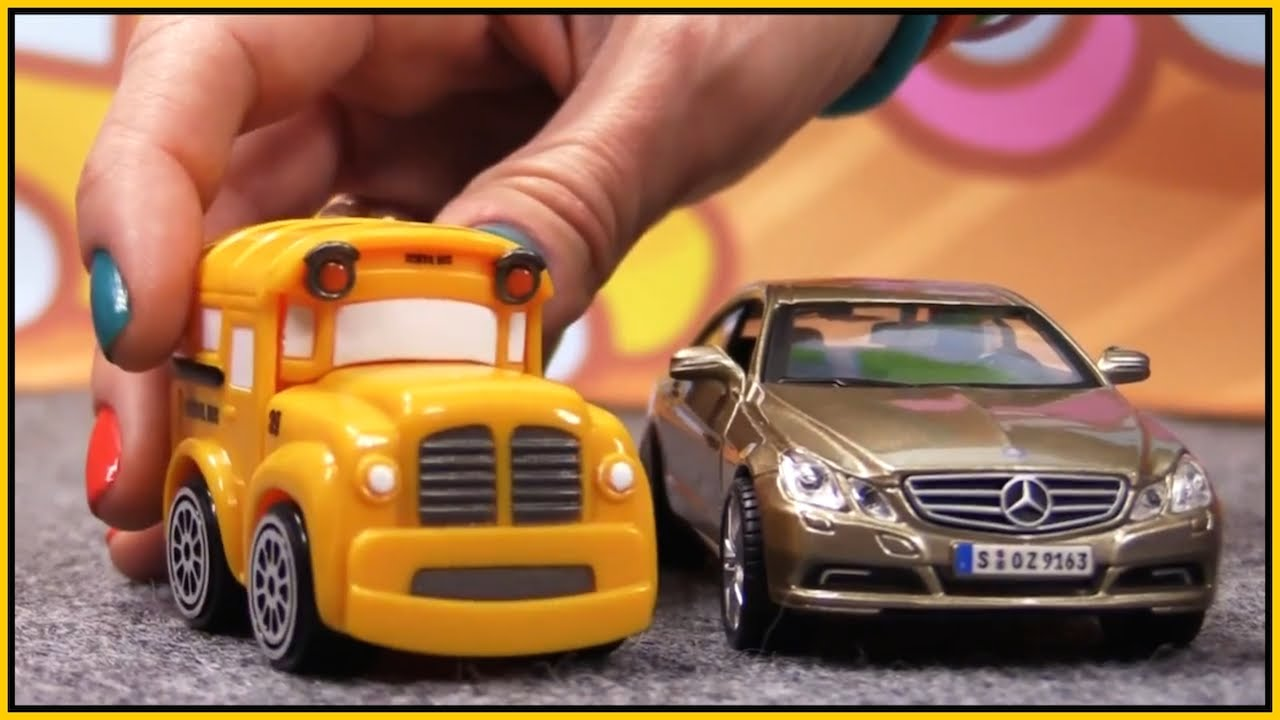 CRASH MERCEDES!! Bussy & Speedy German Toy Cars