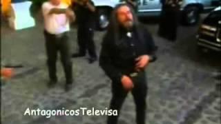 Gambar cover César Évora en Abrazame muy fuerte