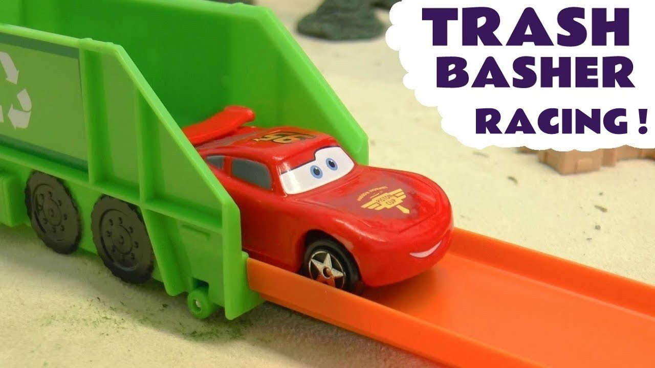 Hot Wheels Cars Trash Basher Race with Disney Cars Lightning McQueen versus Angry Birds Red