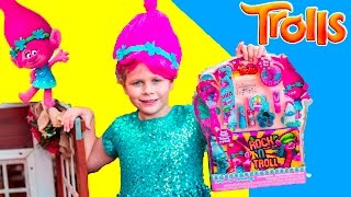 Trolls Townleygirl Make Up Kit with Poppy the Assistant