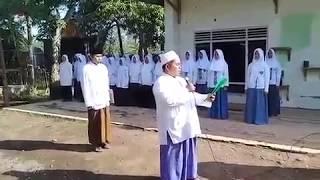Video Gaya Gus Suadi Abu Amar Saat Upacara Hari Santri download MP3, 3GP, MP4, WEBM, AVI, FLV Mei 2018
