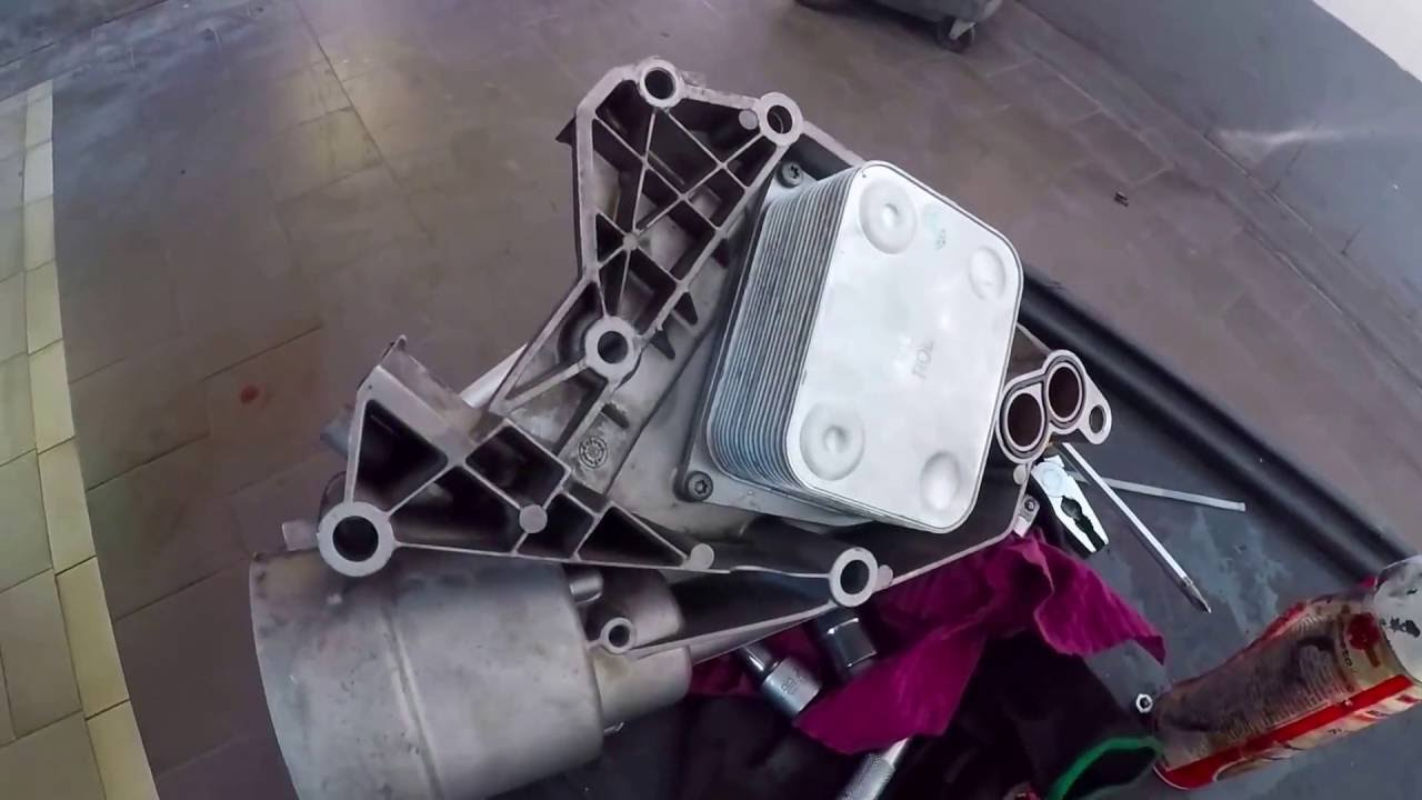 vw touareg 4 2 v8 replacing oil cooler without removing engine [ 1280 x 720 Pixel ]