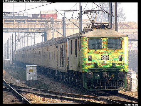 DELHI DURONTO EXPRESS - Full Journey In First AC