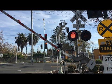 21st Street and Freeport Boulevard Railroad Crossing, Sacramento Light Rail Blue Line, 12/20/2016