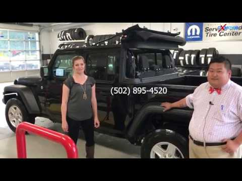 How To Remove A 2019 Jeep Gladiator Soft Top Youtube