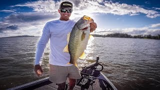 LEDGE Fishing Challenge On Lake Guntersville (Deep Cranking)