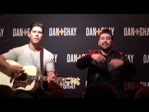 Dan + Shay - VIP - How Not To (Acoustic) - Rosemont / Chicago, IL (Live)