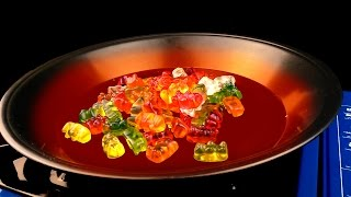 EXPERIMENT What happen if put Gummy Bears in HOT PAN