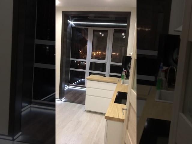Смотреть видео Балкон с подсветкой пола и потолка