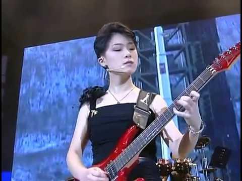 Moranbong Band- La Corea del Nord festeggia, alla faccia degli USA