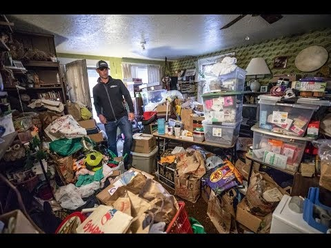 Your Hoarding Mom Loves Shit More Than You