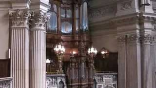 """Berlin-Mitte: Choral """"Wunderbarer König, Herrscher von uns"""","""