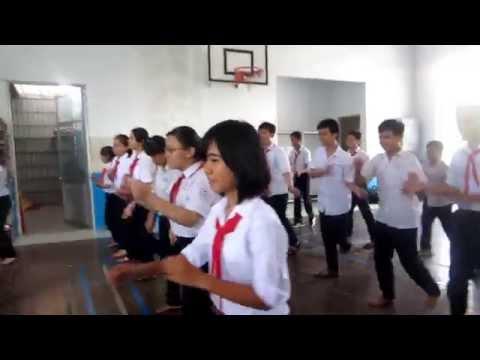 Tập nhảy hay múa??? Lớp 8.1 trường THCS Nguyễn Hồng Đào