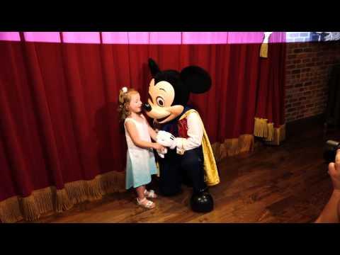 Meeting Talking Mickey Mouse In Walt Disney World