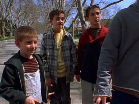 Malcolm In The Middle - 1x15 - Smunday_NEW.avi
