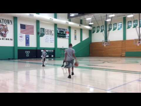 YBDL post feed then spin move for lay-up