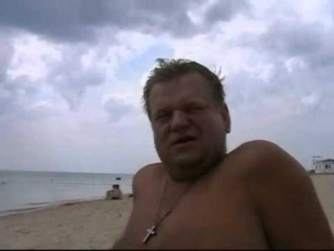 何が今アナパのビーチで12歳の少女である[3:08x360p]