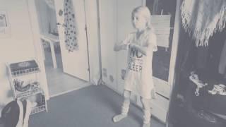 Foxyfit.dk Nana øver taekwondo til graduering
