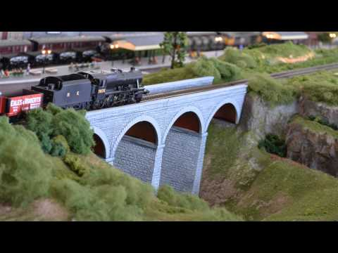 British Model Railway Layout OO Gauge Hornby and Bachmann